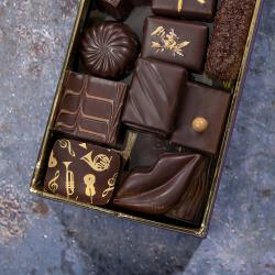 Ballotin de chocolats noir...