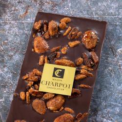 Tablette en chocolat noir 66 % de cacao avec amandes caramélisées
