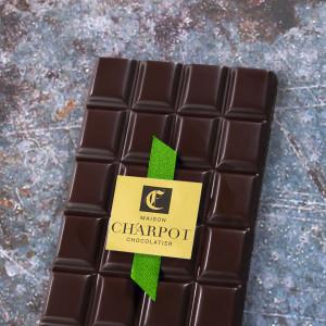 Tablette en chocolat noir...